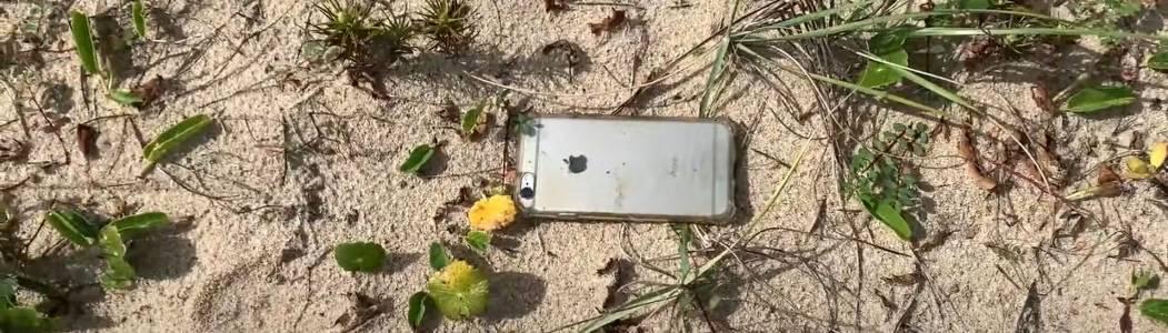 iPhone рекордьор падна от самолет и оцеля (ВИДЕО)