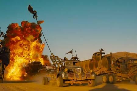 Warner Bros. очаква, че кината ще работят отново пълноценно през 2023 г.