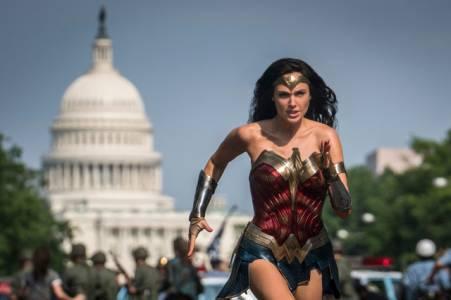 Милиони зрители на Wonder Woman 1984 в деня на премиерата гарантираха продължението