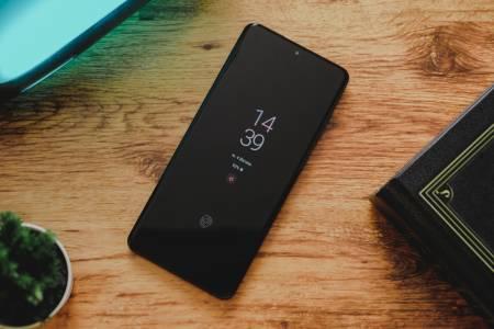 Samsung пусна първия официален тийзър за Galaxy S21 (ВИДЕО)