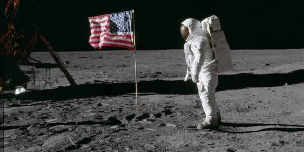 Конгресът на САЩ защити със закон местата на Луната, където е кацано