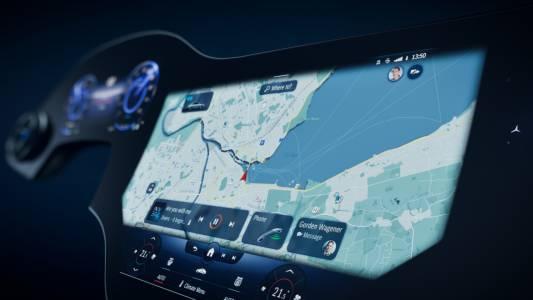 Mercedes EQS с уникален MBUX Hyperscreen: като на кино в автомобила