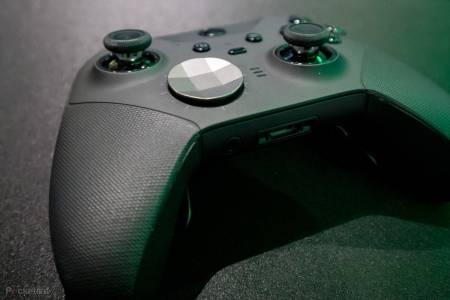 Duracell не плаща тайно на Microsoft, за да слага AA батерии в Xbox контролера