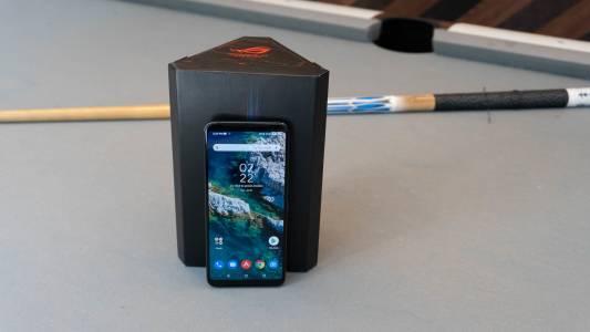 Asus ROG Phone 4 подсигурява геймърите с гигантска батерия