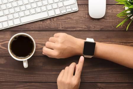Проучване твърди, че Apple Watch засича ранните симптоми на COVID-19