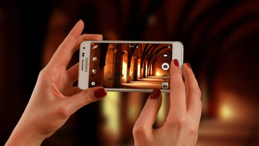 Galaxy S21 5G е лесен за поправка, с по-добър звук и надежден четец на отпечатъци (ВИДЕО)