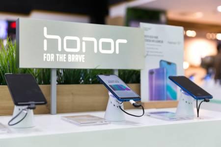 Следващото поколение смартфони на Honor се завръща към услугите на Google