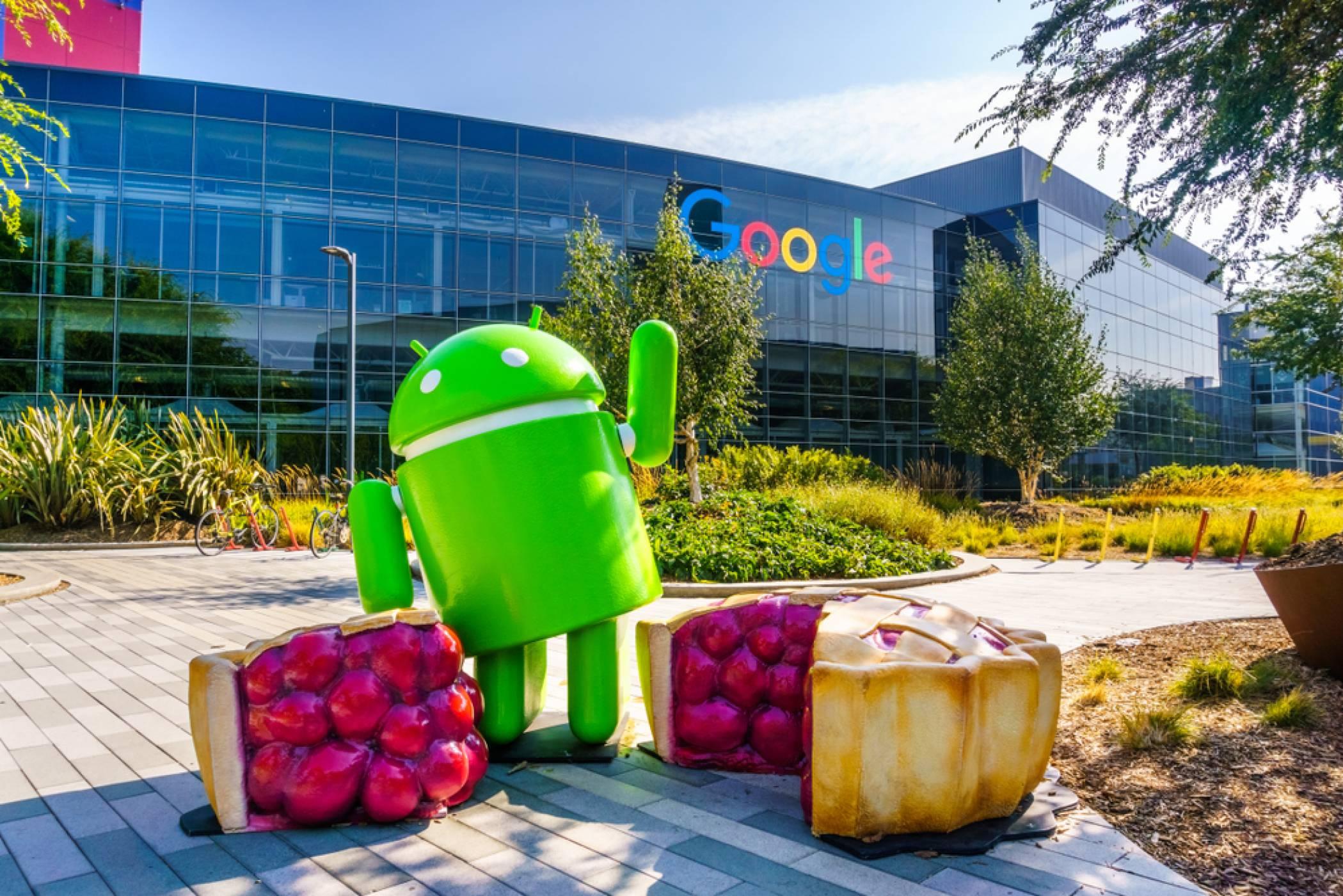 Android 12 ще ви позволи да споделяте Wi-Fi пароли с близките устройства