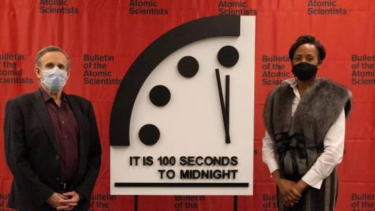 Часовникът на Страшния съд остава на сегашната си стойност: все така опасно близо до края