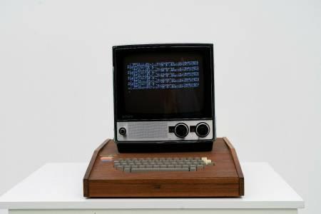 Рядък компютър Apple 1, сглобен от Стив Джобс и Возняк, се продава за 1.5 млн. долара в eBay