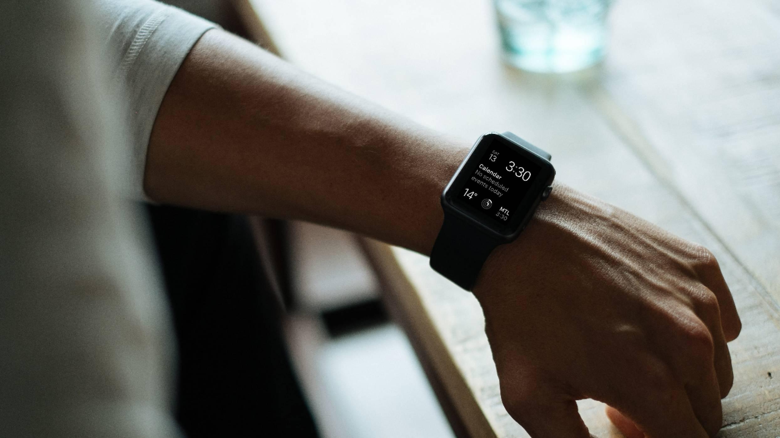Facebook идва на китката ви с умен часовник от социалната мрежа