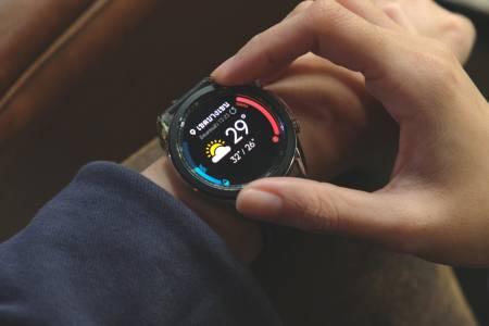 Samsung Health Monitor за Galaxy Watch3 и Galaxy Watch Active2 вече мери кръвното и прави електрокардиограма