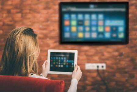 """GoogleSmartTV ще поддържа и режим """"глупав телевизор""""за тези, които не обичат модерните технологии"""