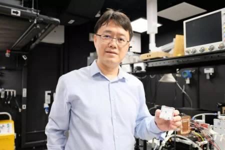 Създадоха лазер, който може да генерира 254 трилиона произволни цифри в секунда