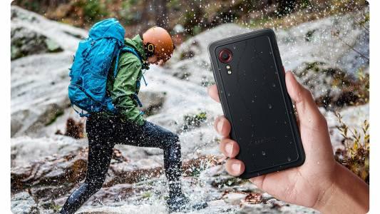 Samsung представя Galaxy XCover 5, най-новия издръжлив смартфон, създаден за работа дори при екстремни условия