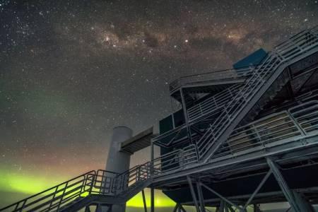 Чудовищно мощна частица антиматерия е разтърсила Антарктида