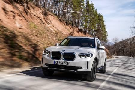 BMW iX3 - електрическо SUV със звук от Ханс Цимер - eдно за нас, моля!