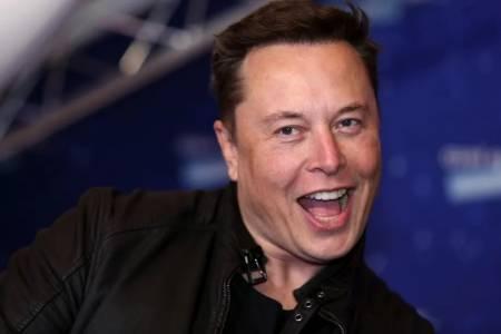 Tesla: Ние сме бизнесмени, а не шпиони