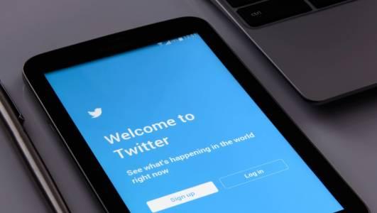 Първият пост в Twitter се продаде за 2.9 млн. долара