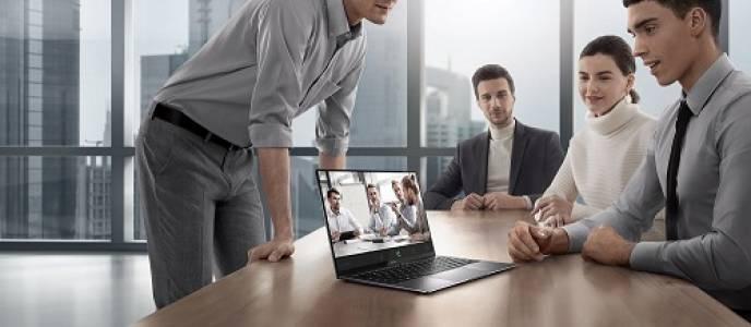 Huawei бележи 715.69% годишен ръст на доставките на лаптопи