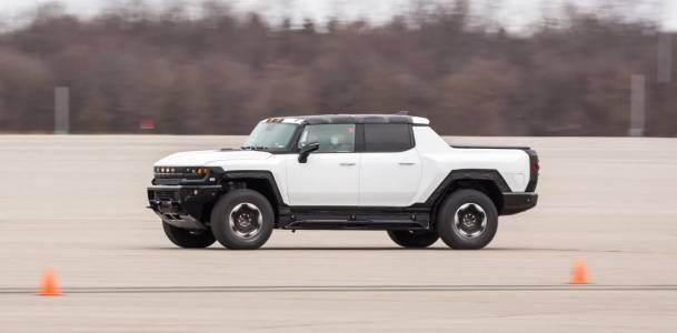 Някой вече седна зад волана на прототипа на е-Hummer срещу 2.5 млн. долара