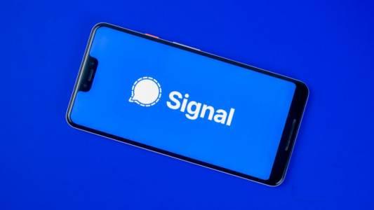 Изтекли телефонни номера показват, че дори Марк Зукърбърг ползва Signal