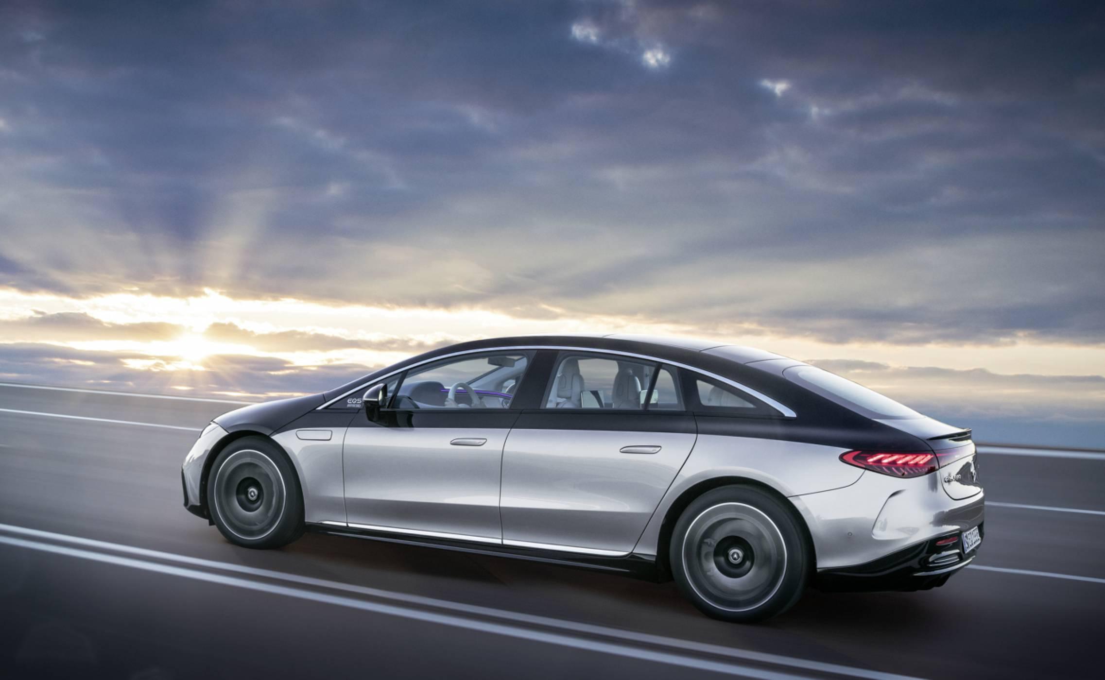 Mercedes EQS: флагманът на луксозните електрически седани