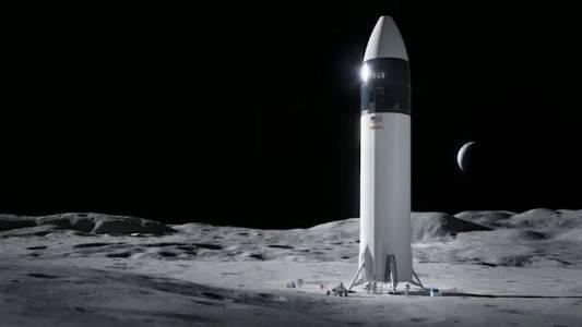 SpaceX грабна поръчката за кацане на Луната