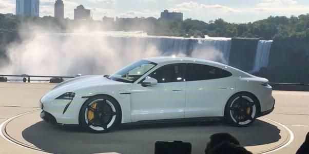 Скок в продажбите на Taycan го превърна в един от най-важните модели на Porsche