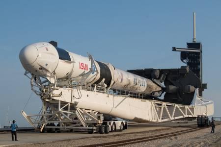 Blue Origin и SpaceX се скараха за лунната мисия съвсем по нашенски
