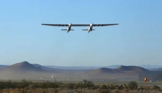 Stratolaunch: най-големият самолет в света летя повторно и уверено гледа напред