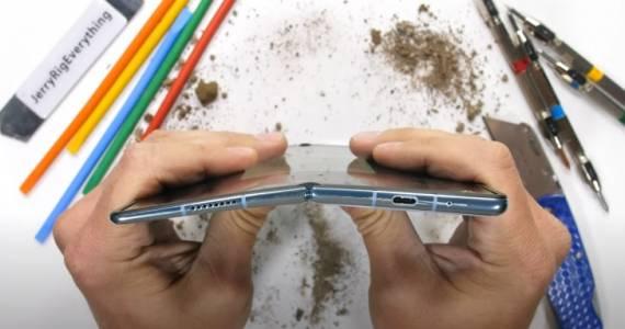 Новият гъвкав смартфон на Huawei издържа мъчение, което ще ви смути (ВИДЕО)