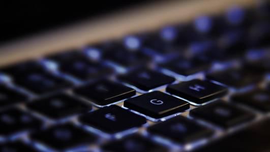 Анализът на милиарди линкове показва, че интернет едновременно расте и се свива
