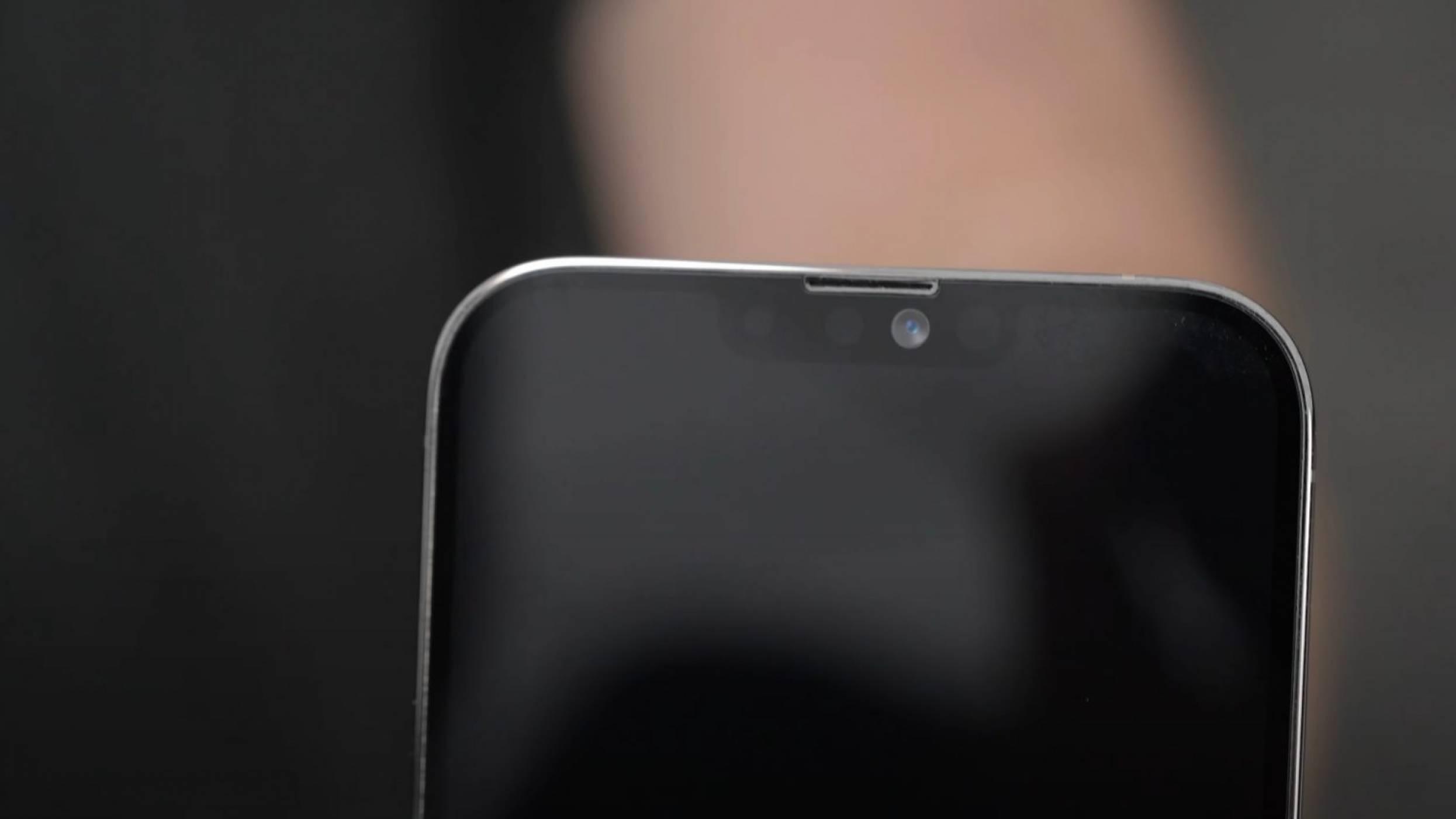 Макет на iPhone 13 Pro Max показва по-малкия прорез