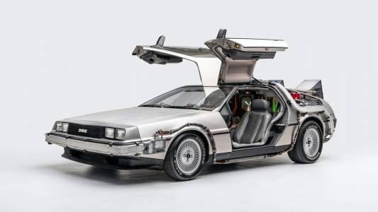 Култовата кола от Back to the Future влезе в регистъра на ценните автомобили (ВИДЕО)