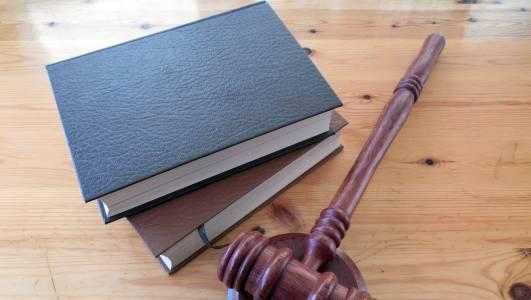 Могъщ опонент чака Google в съда: над 10 000 дами с иск за дискриминация