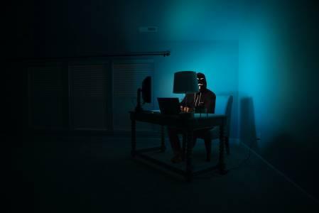 Anonymousподхванаха и Илон Мъск(ВИДЕО)