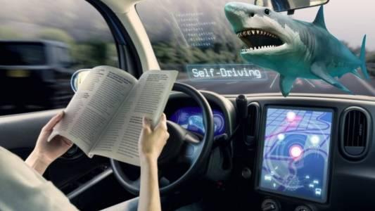 Кръвожадните акули са по-малко опасни от умните коли за всеки трети американец