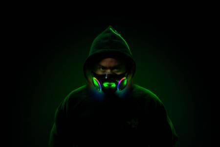 RGB маската Project Hazel на Razer ще украси лицето ви за Коледа
