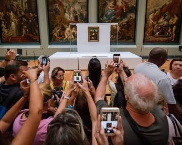 Петиции искат Джеф Безос да изяде Мона Лиза и дане се връща на Земята