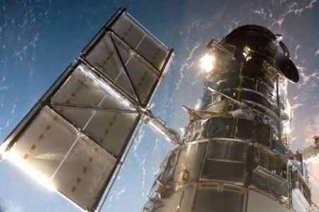 Компютър от 80-те затвори всевиждащото око на телескопа Hubble