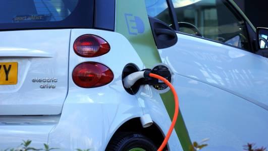 Е-колите ще вземат короната на продажбите още към 2033 г.