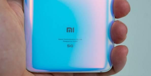 Извитият отвсякъде екран на Xiaomi е предизвикателство за всеки с хлъзгави пръсти