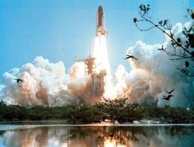 Започва ерата на космическия туризъм, която може да се окаже последният пирон в ковчега на Земята