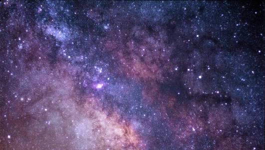 AI подрежда хиляди галактики за секунди вместо за месеци като нас