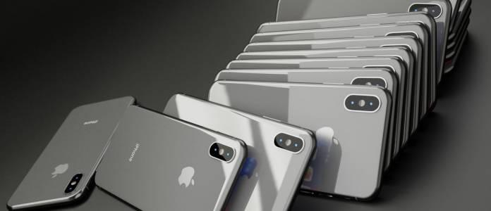 Тази година американците купуват по-често и по-скъпи iPhone-и