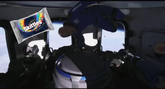 Skittles Zero-G е десерт, който пътува до Космоса с Blue Origin