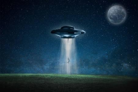 Ето кое научно обяснение стои в основата на историите за отвличания от извънземни