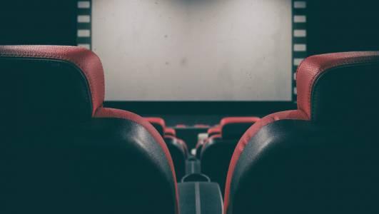 Кинопремиерите са вече и във Facebook (ВИДЕО)