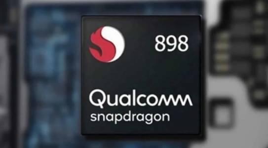 Първи тестове на Snapdragon 898: мощен и прегряващ